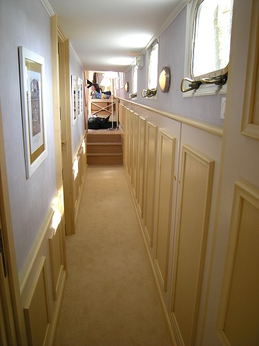 Alouette's Corridor leading from the cabins to the salon