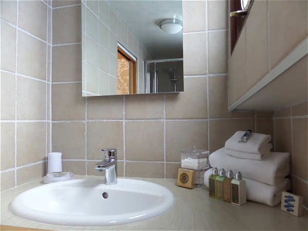 Each cabin has its own ensuite bathroom