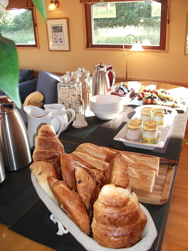 A great breakfast awaits you every morning aboard the Hirondelle