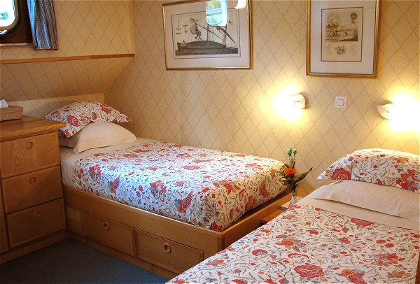 Another of the twin bedded cabins aboard Hirondelle.