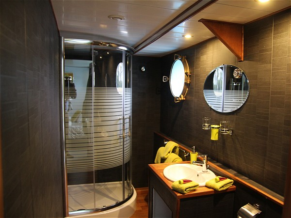 The ensuite bathroom in cabin two aboard the Magnolia.