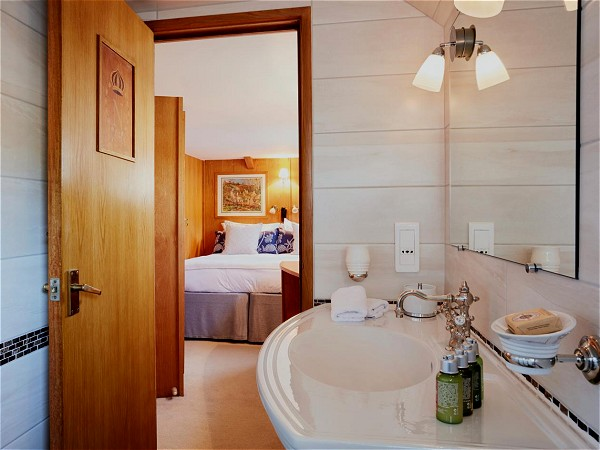 Each cabin has its own spacious ensuite bathroom