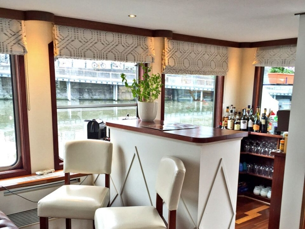 The bar area on board the Panache