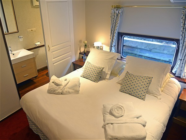 The cabins aboard Panache offer either queen or twin accommodations