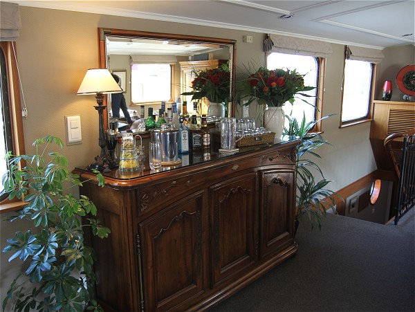 The well stocked open bar on board the Prosperite