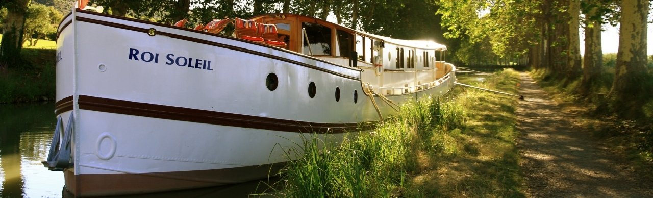 BargesInFrance.com: The 6-passenger ultra-deluxe barge Roi Soleil cruises in the South of France on the historic Canal du Midi