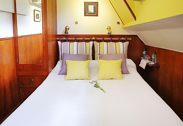 The cabins aboard the Rosa offer either double or twin bed accommodations