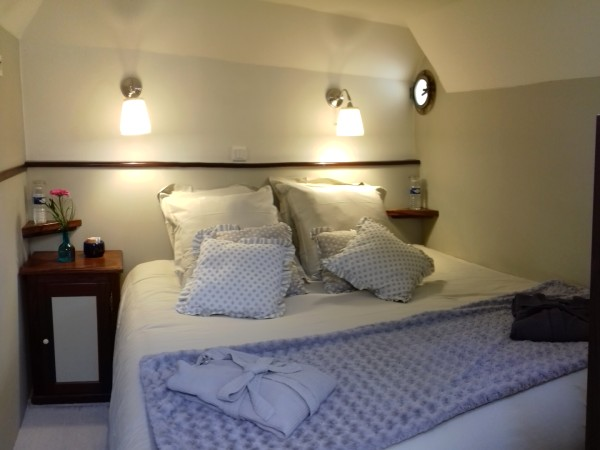 The Corbieres and Minervois cabins, off the salon, can be configued with queen or twin beds