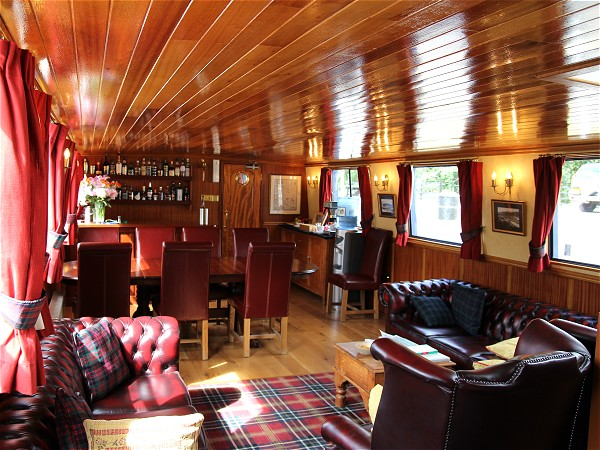 The salon aboard the Scottish Highlander